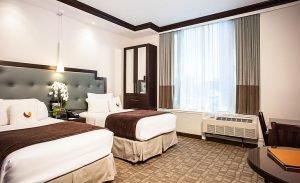 Williamsburg Plush Corner Bedroom